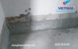 dán lưới thủy tinh gia cố chống thấm chân tường nhà vệ sinh