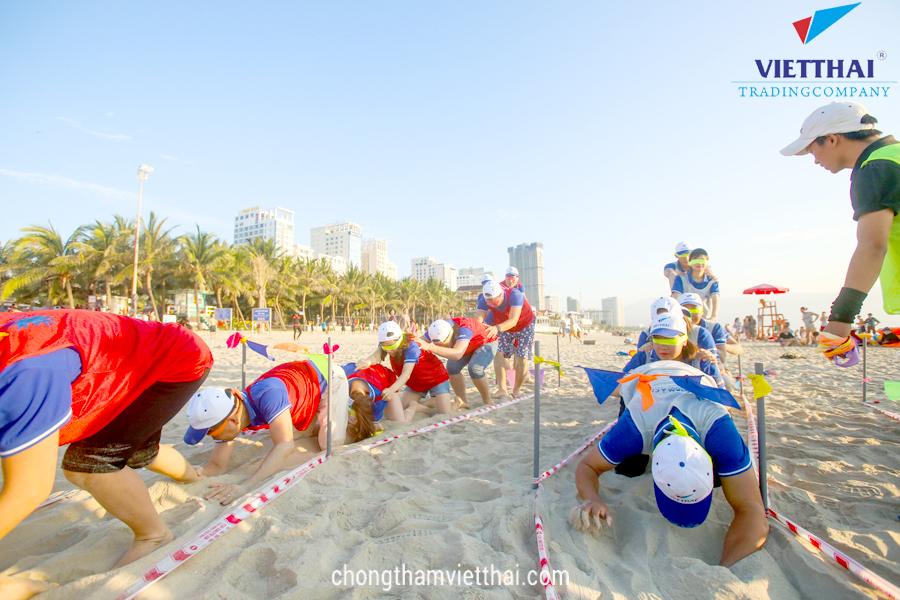 đoàn tàu mù teambuilding việt thái 2018