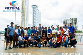 đoàn vietthai chụp ảnh lưu niệm tại Bangkok
