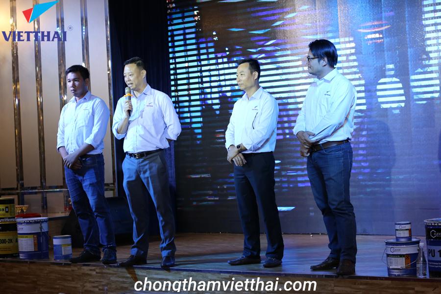 giám đốc Việt Thái HCM lên khai mạc hội thảo Clever
